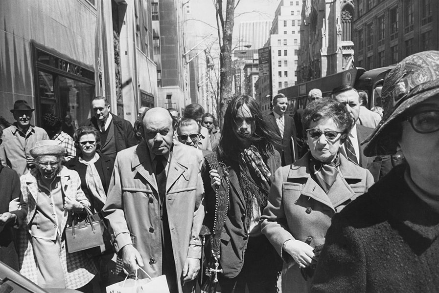 New York, 1970 Private Collection, San Francisco © The Estate of Garry Winogrand, courtesy Fraenkel Gallery San Francisco