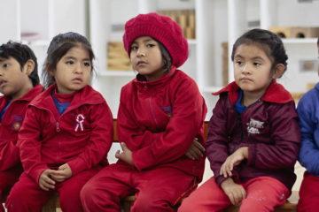 Educación, cariño y buenos hábitos para salir de la pobreza