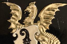 Fantasía y mitología en las placas de seguros