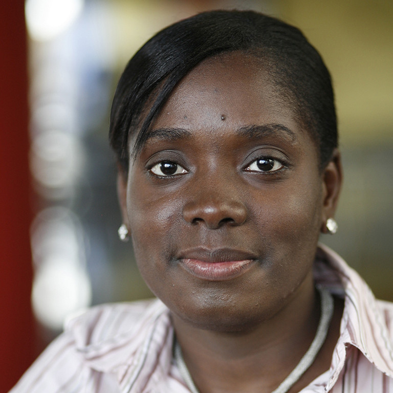 Ginette Saimprevil, directora ejecutiva de Bottom Line Massachusetts.